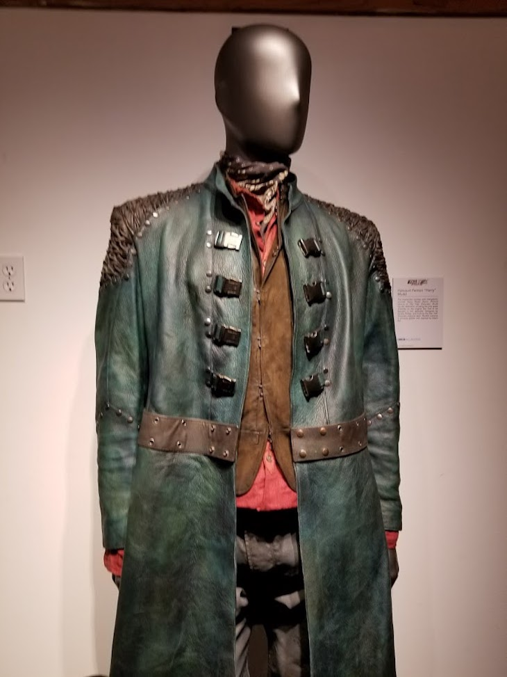 Costume of integalactic grifter Harvey Mudd, played by guest star Rainn Wilson